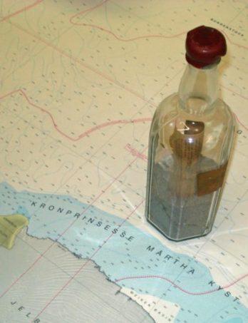Nicht jede Flaschenpost hat mit Sehnsucht und Abenteuer zu tun: Im Bundesamt für Seeschifffahrt und Hydrographie (BSH) gibt es eine Sammlung, die ihren Ursprung der Wissenschaft verdankt Foto: Stefan Frank