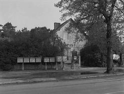 Das Postamt Thyrow mit einer Zustellfachanlage für Briefe und Pakete Foto: Herbert Kraft