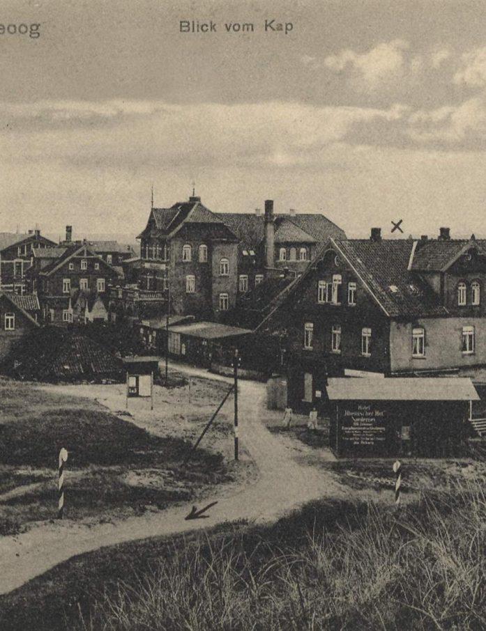 Bereits Mitte des 19. Jahrhunderts kamen Erholungsgäste auf die Nordseeinseln Langeoog und Spiekeroog, und mit dem Ansteigen der Besucherzahlen wuchs auch der Bedarf an funktionierenden Postverbindungen