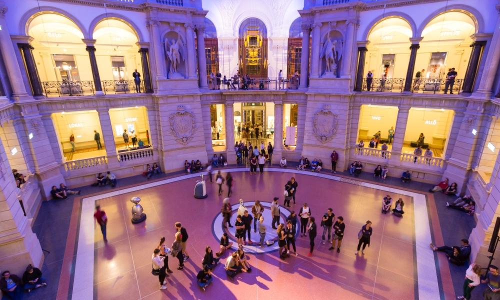 Führung: Die Highlights des Museums. Schätze der Kommunikation entdecken