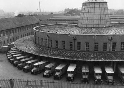 Foto mit Elektrozustellwagen, 1950e-Jahre PKsw_Pakete