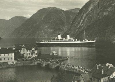 AK Oie-Hellesylt, Monte Sarmiento im Fjord