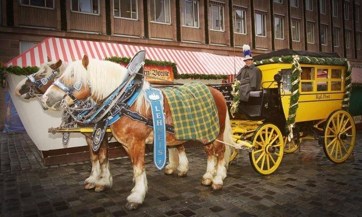 Exkursion: Fahrten mit der historischen Postkutsche um den Nürnberger Christkindlesmarkt