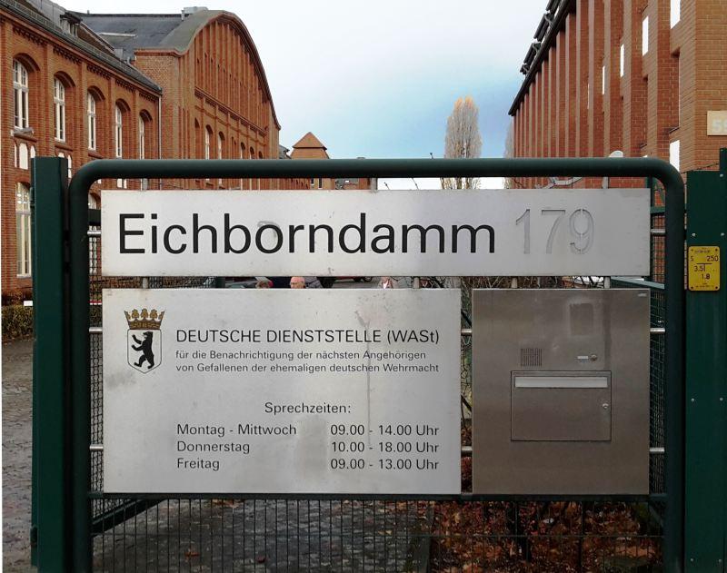 Exkursion zur Deutschen Dienststelle für die Benachrichtigung der nächsten Angehörigen von Gefallenen der ehemaligen deutschen Wehrmacht
