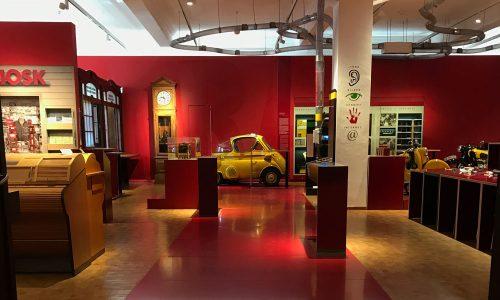 Vom Flüstern zu Facebook: Lernen Sie das Museum kennen!
